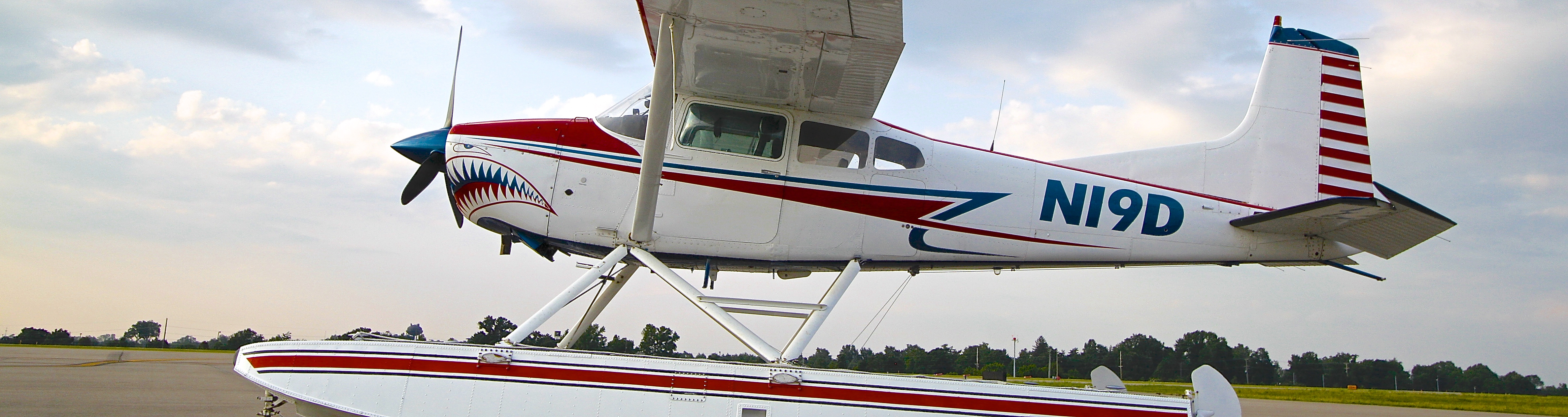 Shark aviation seaplane tours lake cumberland kentucky