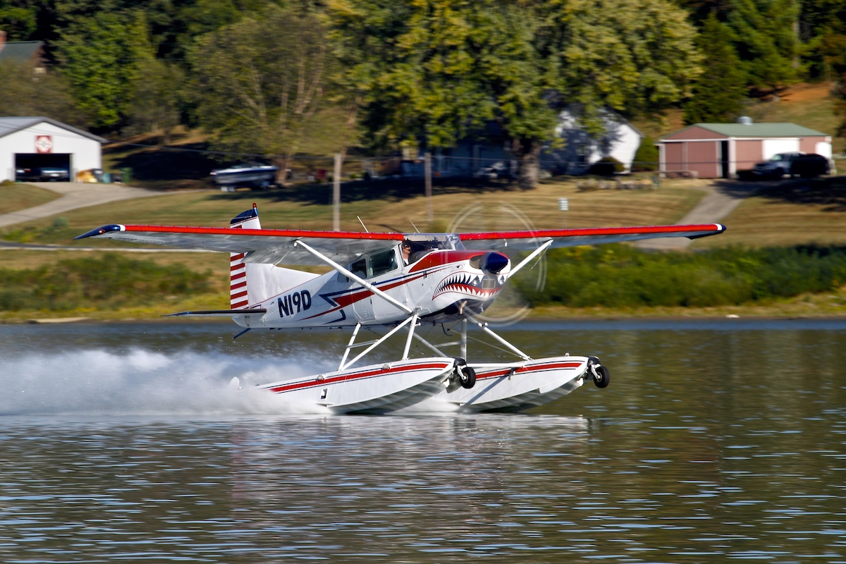 Cessna 185 seaplane training in kentucky